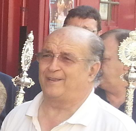 Medalla de plata de la Hermandad a D. Roberto Ferrera Gracia
